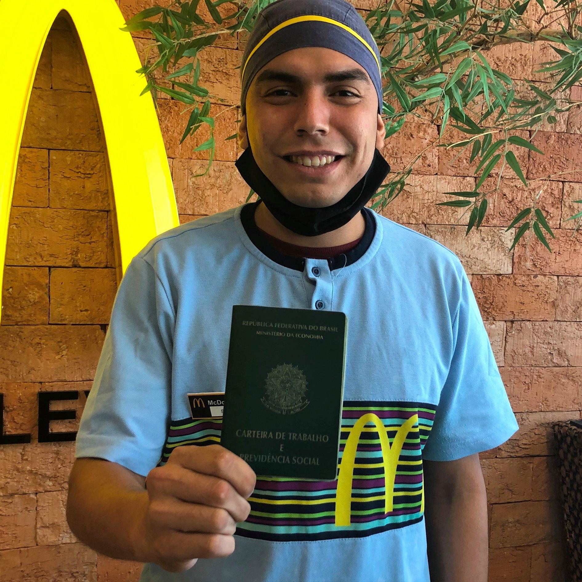 A felicidade do primeiro emprego no Brasil